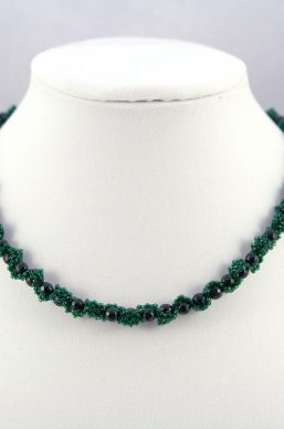 Green Goldstone Ribbon Necklace